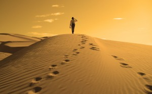 sand-desert-alone-people-sand-dunes-footprint-_4758-40